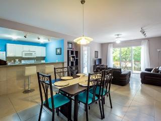 Casa Florent (C402) - Fabulous Amenity Filled Condo, Cozumel