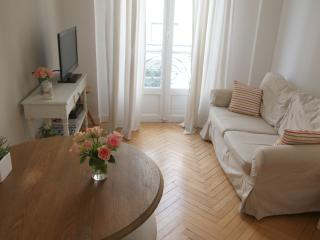 La suite Durante: 2 beds flat, wifi, ac, city, Niza