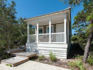 Quiet 2 BR Blue Mtn Cottage-Bonfires and Football, Santa Rosa Beach