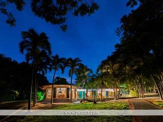 Casa Lina - Wellness Yoga House in Playa Hermosa