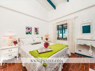 Blue Villa - Beachfront Home!, Playa Hermosa