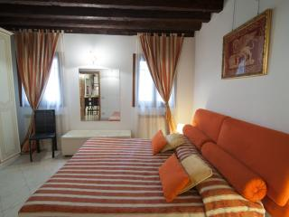 2960 Ca Frari Apartment Real Venice Centre 6 Beds, Venecia