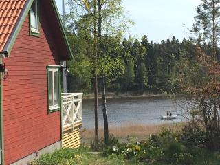 Ocean view cottage. 95 meters to the sea., Norrtalje