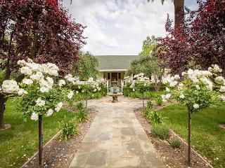 Alexander Valley Estate in the Vineyards - Less Than One Mile From Healdsburg, Geyserville