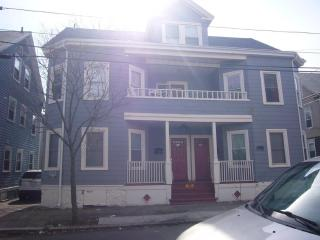 Spacious Perfectly Located 4BR!, Salem
