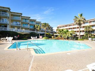 Beautiful  Ocean and Pool  view Condo Unit #9204, Galveston