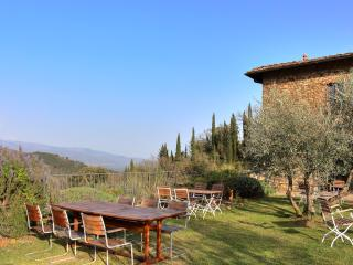 Stunning villa in in Chianti with pool, Mughetti