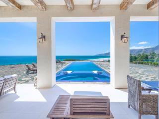 Malibu Ocean Front Luxury Villa, 11k Sq Ft, Malibú
