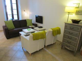 Modern & smart comfort in Old Antibes