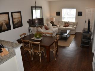 *May Special* at LV 3 Beds 2 Baths - 11-106