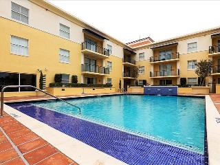 2 Bedroom Furnished Suites in Coral Gables - Walk to Merrick Park