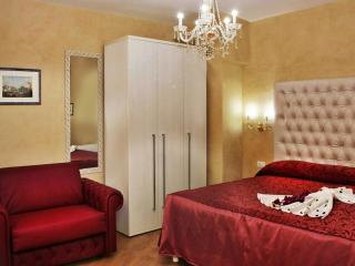 Apartment Trevi Fountain - Rome - Italy