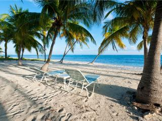 Blossom Village Cottage, Little Cayman