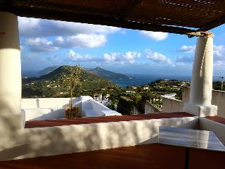 Il Gelso - casa panoramica a Lipari