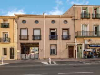 Charming, well equipped and central in Marseillan - 3 Bed Apartment