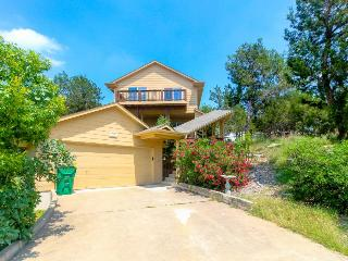 Dog-friendly lake view home with a shared pool, tennis courts & beach access!, Lago Vista