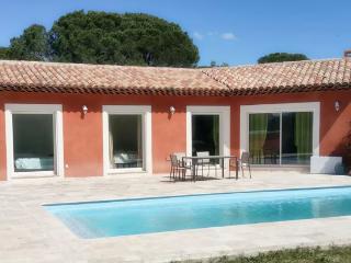 Villa climatisee avec piscine privee pour 6p