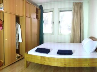 Private  first floor house , Free Airport Pick Up, Pristina