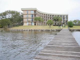 Affordable Waterfront Studio Condo, Fort Walton Beach