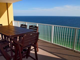 Newly Redecorated 2/2 Gulf-Front at Tropic Winds!, Panama City Beach