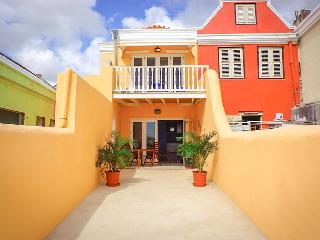 Oceanview Apartment located in the Caribbean Sea ., Willemstad
