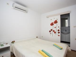 TH02832 Apartments Makaus / One bedroom A3, Rab Island