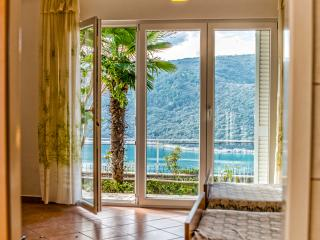 TH01019 Apartments Mirta  /  Two bedroom A1 IRIS, Rabac
