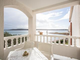 TH02817 Apartments Marijana / Two bedrooms A2, Rab Island