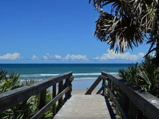 Kate's Places@Oceanwalk - Luxury Gated 3B/2B Condo, New Smyrna Beach