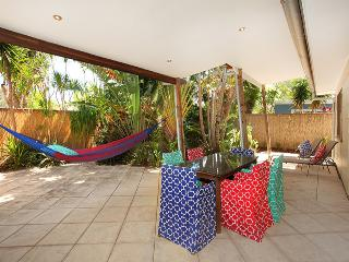 Mudjimba Beach House 18 Currawong St