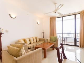 Spacious 2BR Apartment with stunning lake view, Colombo