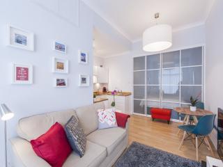 Top Rated, Bright & Warm Studio Flat @ City Centre, Edimburgo