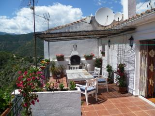 Rural apartment  in an authentic Spanish village, Istán