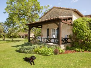 May Cottage, 2 pools in glorious gardens, adults only, self catering cottage, Bourniquel