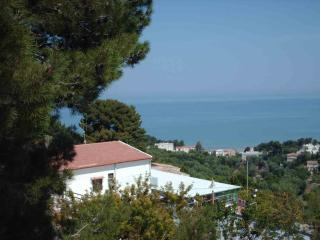 Gargano large penthouse in Villa Matassa 4-8 beds
