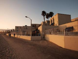 Huntington Beach Townhome on the sand!