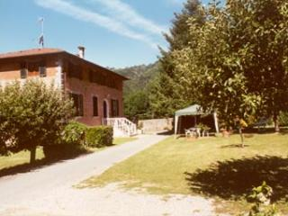 PEACEFUL HOUSE IN THE GREEN, Bagni Di Lucca