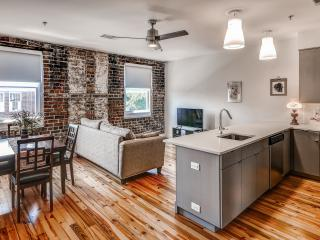 Sleek 1BR Condo in the Heart of Downtown Savannah