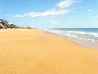 Herons Walk Beach House, 2 Bedrooms, Walk to Beach, WiFi, Sleeps 6, Palm Coast