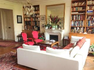 Charming apt. ideal for 2 couples, París