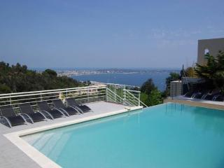 Magnificent villa w/ open sea view, Vallauris