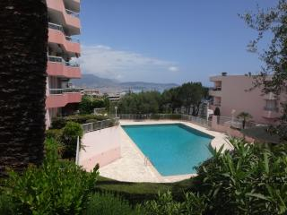 APPARTEMENT TERRASSE PISCINE JARDIN, Niza