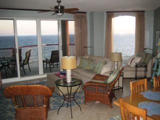Beach Colony East Spectacular Views Beachfront, Navarre