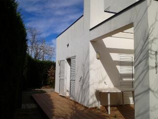Grand villa 6/8pax avec bel jardin près  plage, L'Escala