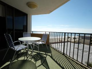 Maisons Sur Mer 302, ocean views/pool/tennis/WiFi!