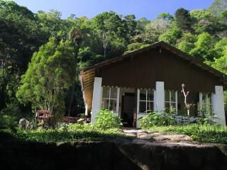Quit Cabin 10 km from beach, Niteroi
