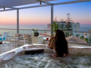 NOV & DEC: Special prices, Luxury apt, private terrace & hot tub