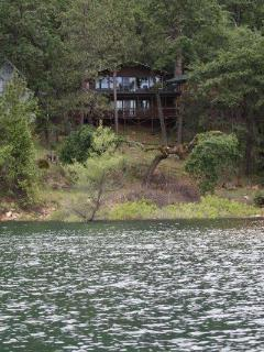 Lake house on edge of water (May 2016)