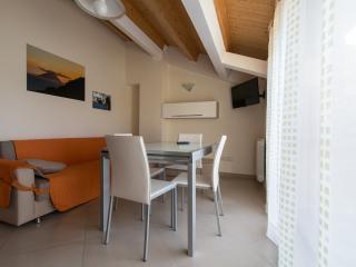 Luminoso appartamento con bella vista sul lago., Mesina