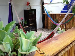 La Casa del Angel - habitación 3 y dos camas matrimoniales aire acond., Valladolid